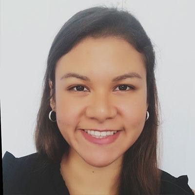 Dra Estefania Alfaro Cuadros